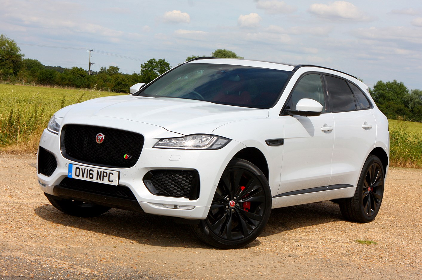 jaguar f pace 4x4 2016 photos parkers. Black Bedroom Furniture Sets. Home Design Ideas