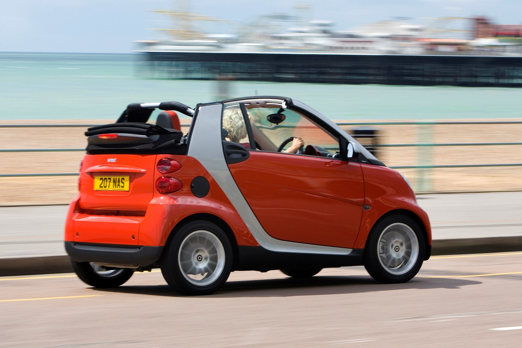 smart fortwo cabriolet 2007 2014 photos parkers. Black Bedroom Furniture Sets. Home Design Ideas