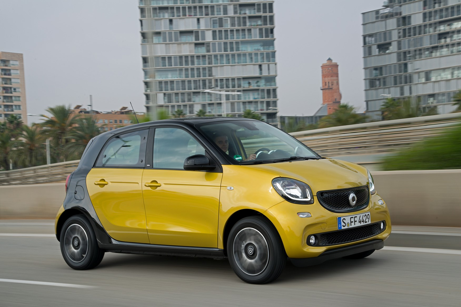 smart forfour hatchback review 2015 parkers. Black Bedroom Furniture Sets. Home Design Ideas