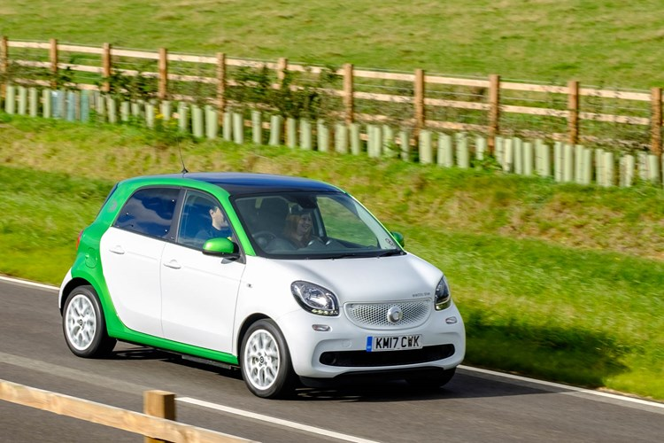 2017 Smart Forfour EQ moving