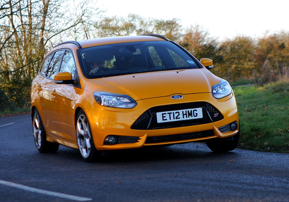 Ford Focus ST 2012 Driving & Performance