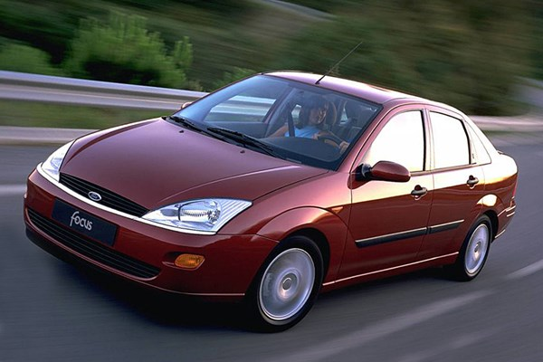 Ford Focus Saloon (1998 - 2004) Used Prices