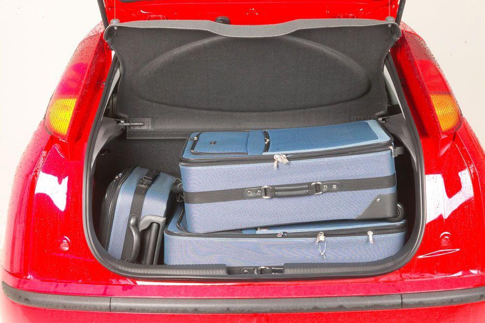 Ford escort hatchback trunk cover