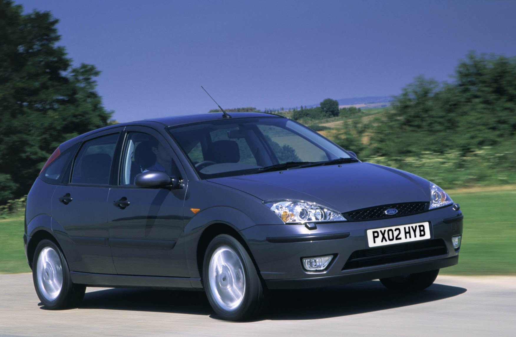 ford focus hatchback 1998 2004 driving performance parkers. Black Bedroom Furniture Sets. Home Design Ideas
