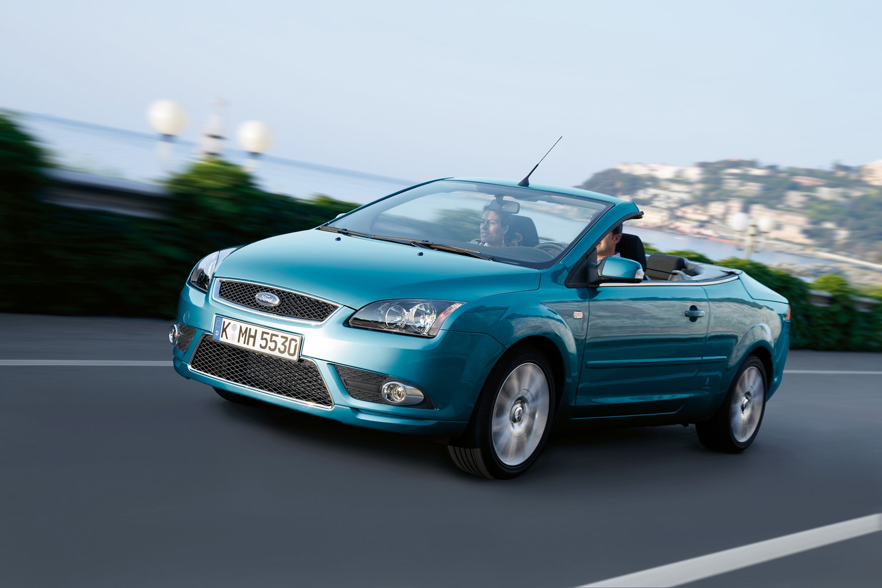 ford focus coup cabriolet 2006 2010 driving performance parkers. Black Bedroom Furniture Sets. Home Design Ideas