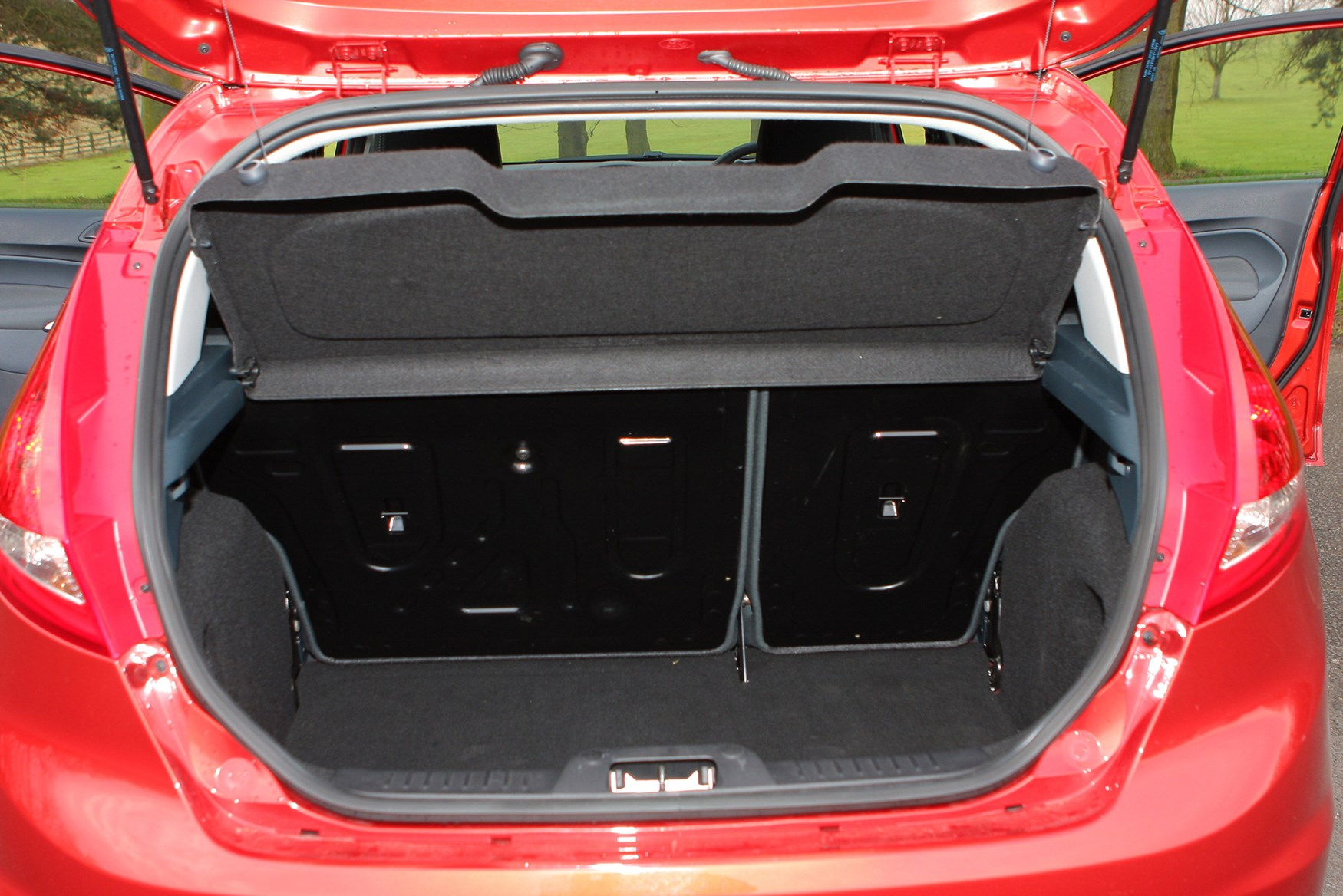 Ford Fiesta Hatchback 2008 Features Equipment And