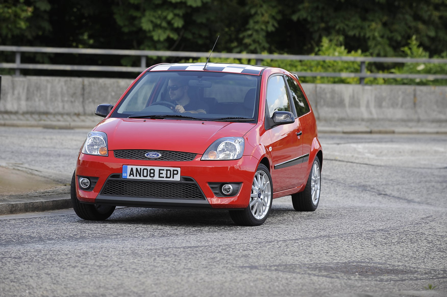 View all images of the ford fiesta 02 08