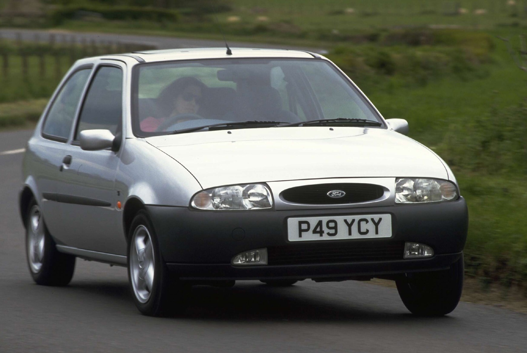 Used Car Loan >> Ford Fiesta Hatchback (1995 - 1999) Photos | Parkers