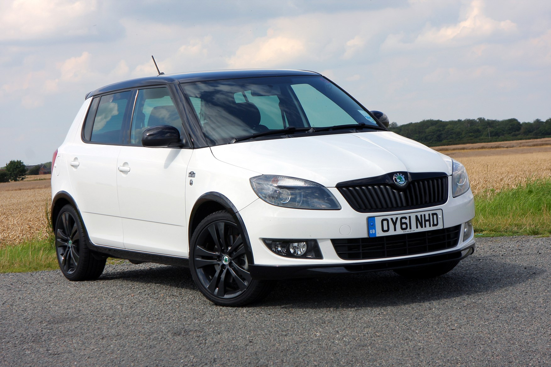 skoda fabia hatchback 2007 2014 photos parkers. Black Bedroom Furniture Sets. Home Design Ideas