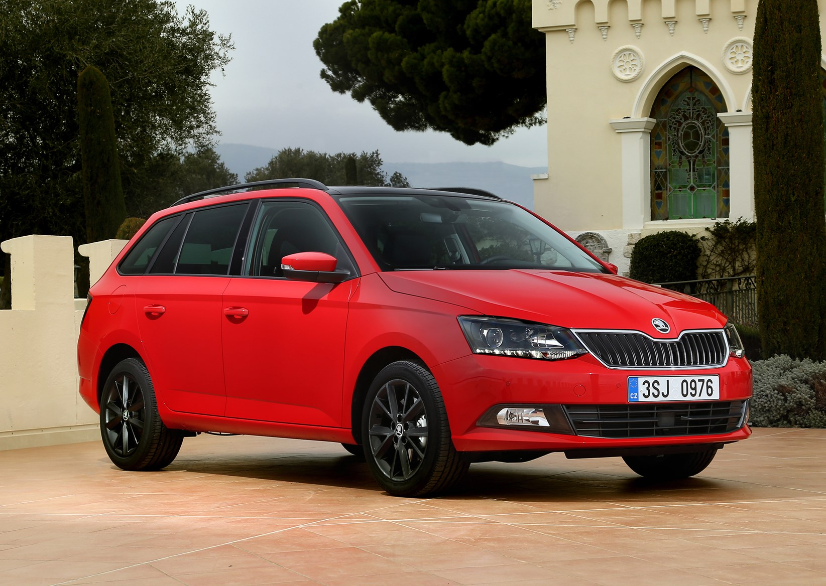 Skoda Fabia Estate (2015 - ) Photos | Parkers