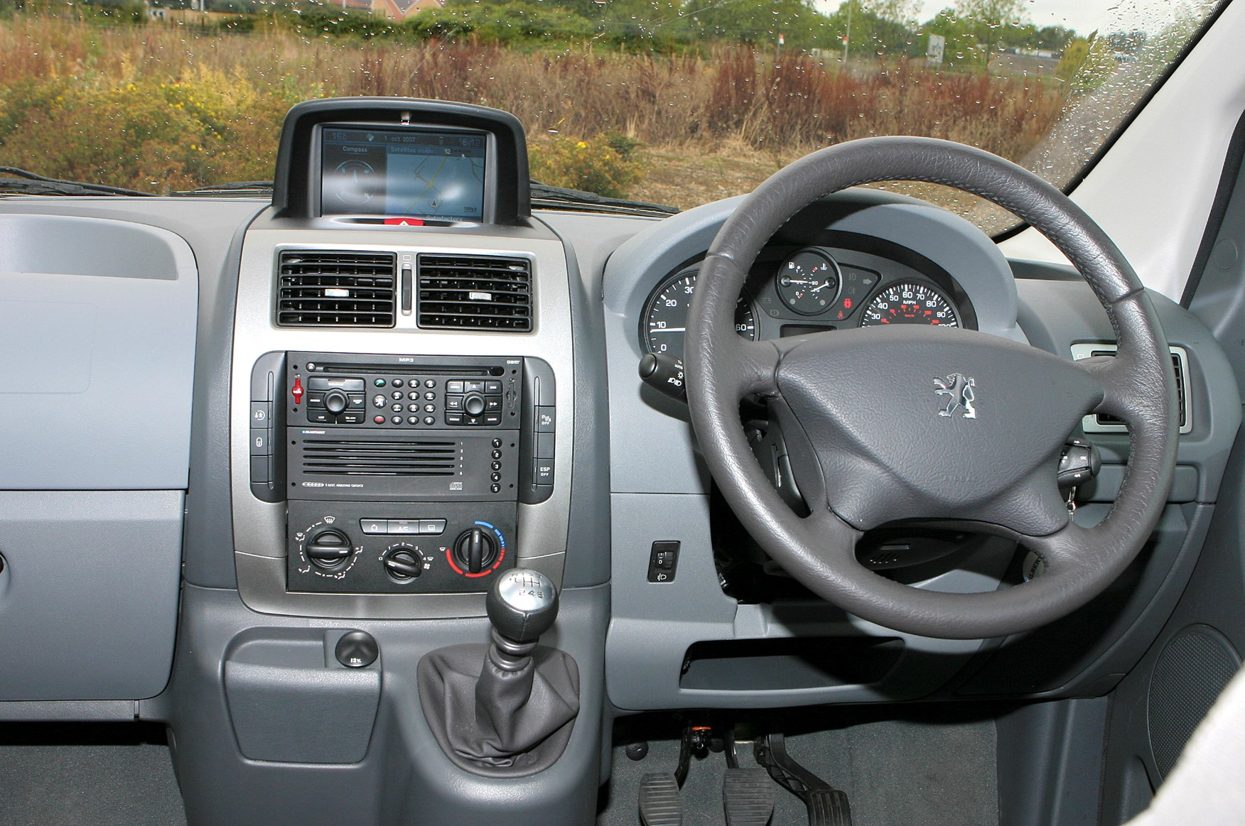 peugeot expert tepee estate review (2007 - 2015) | parkers