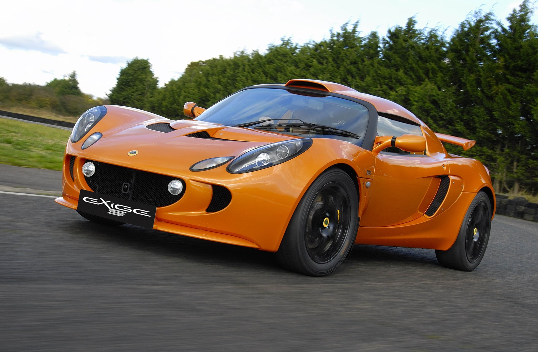 Lotus exige coupe review 2004 parkers view all images of the lotus exige vanachro Images