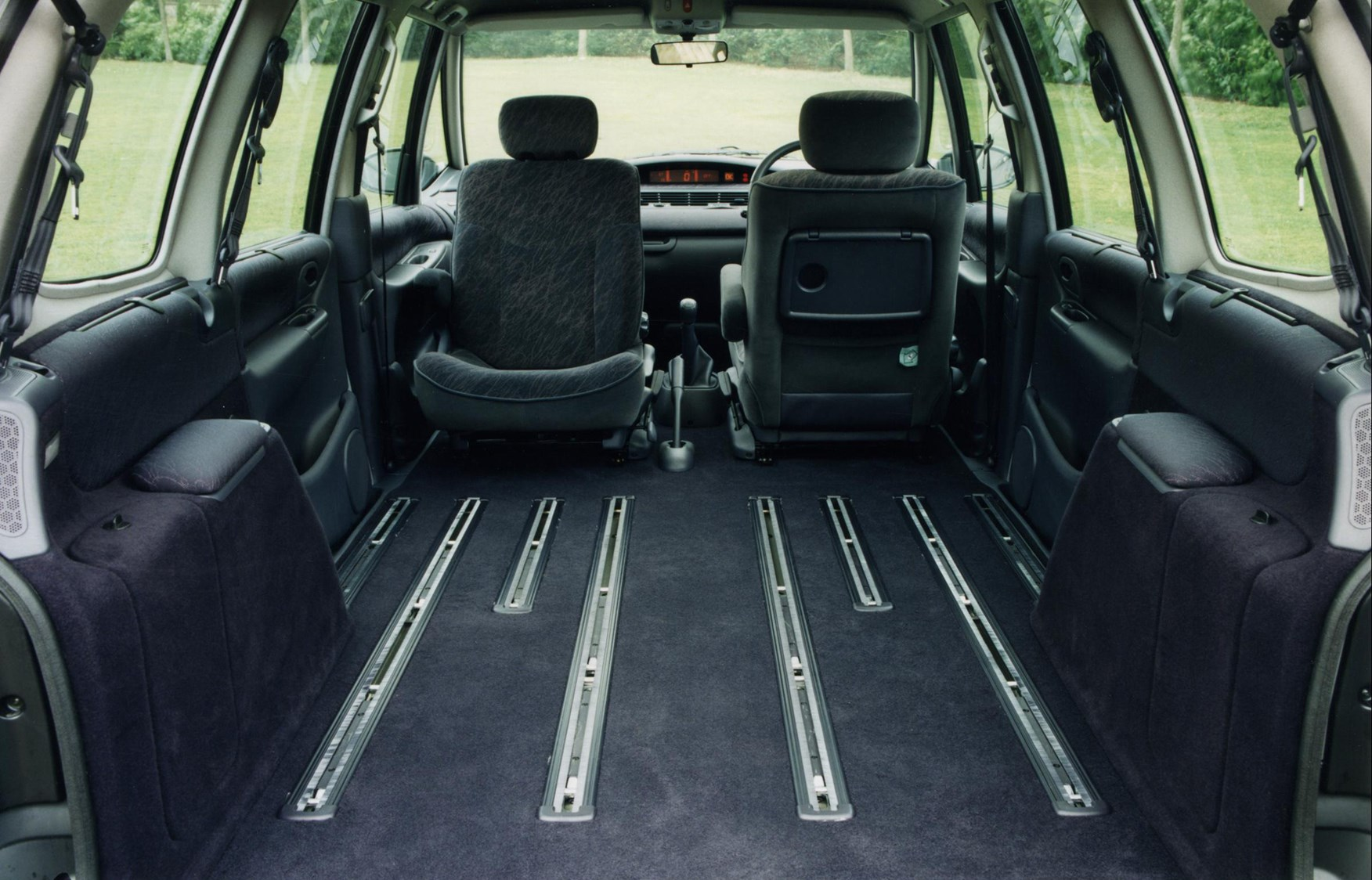 Renault Espace Estate (1997 - 2003) Features, Equipment and ...