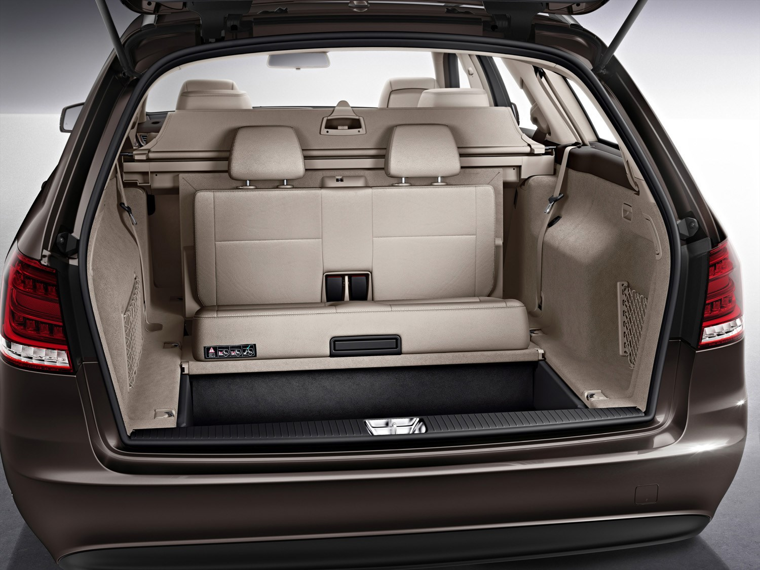 mercedes benz e class estate 2010 photos parkers. Black Bedroom Furniture Sets. Home Design Ideas