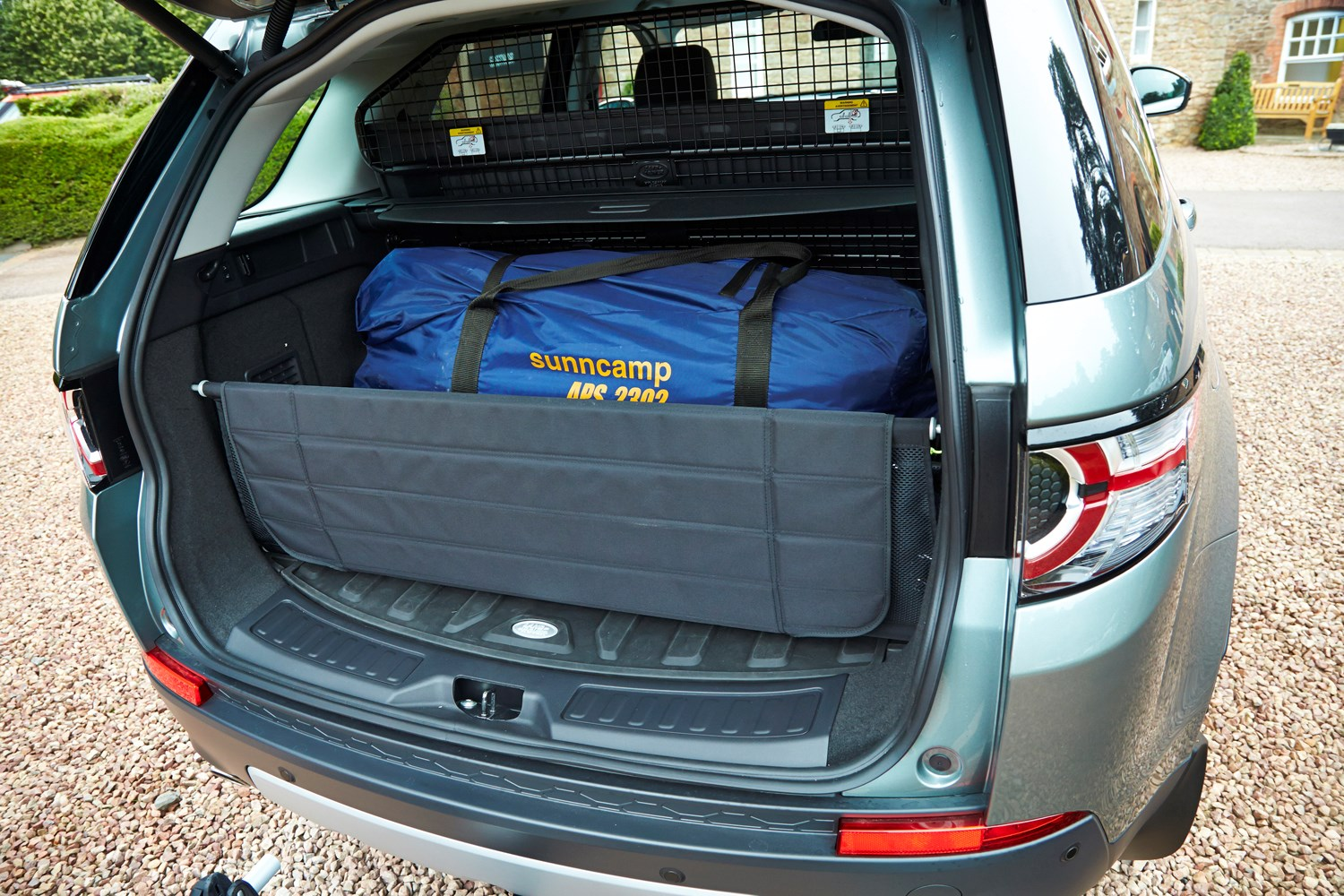 Land Rover Discovery Sport 4x4 2015 Features Equipment And Accessories Parkers
