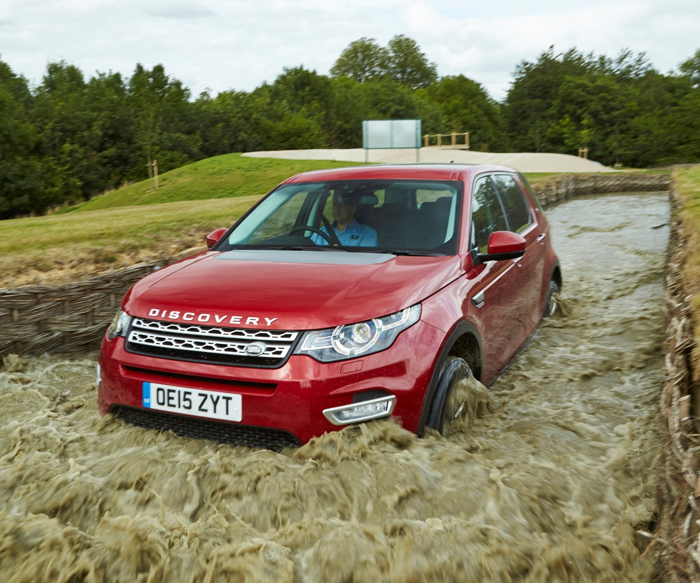 Land Rover Discovery Sport 4x4 2015 Photos Parkers