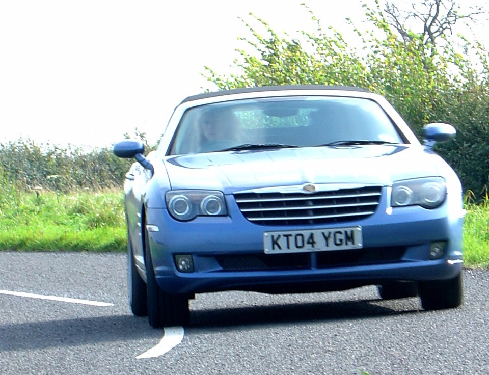 Chrysler Crossfire Review Car And Driver