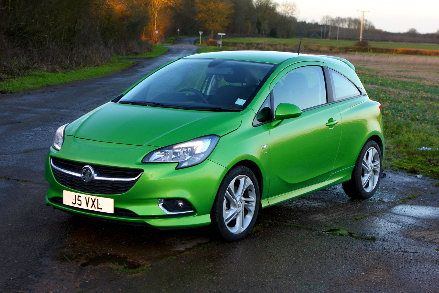 vauxhall corsa hatchback 2014 photos parkers. Black Bedroom Furniture Sets. Home Design Ideas