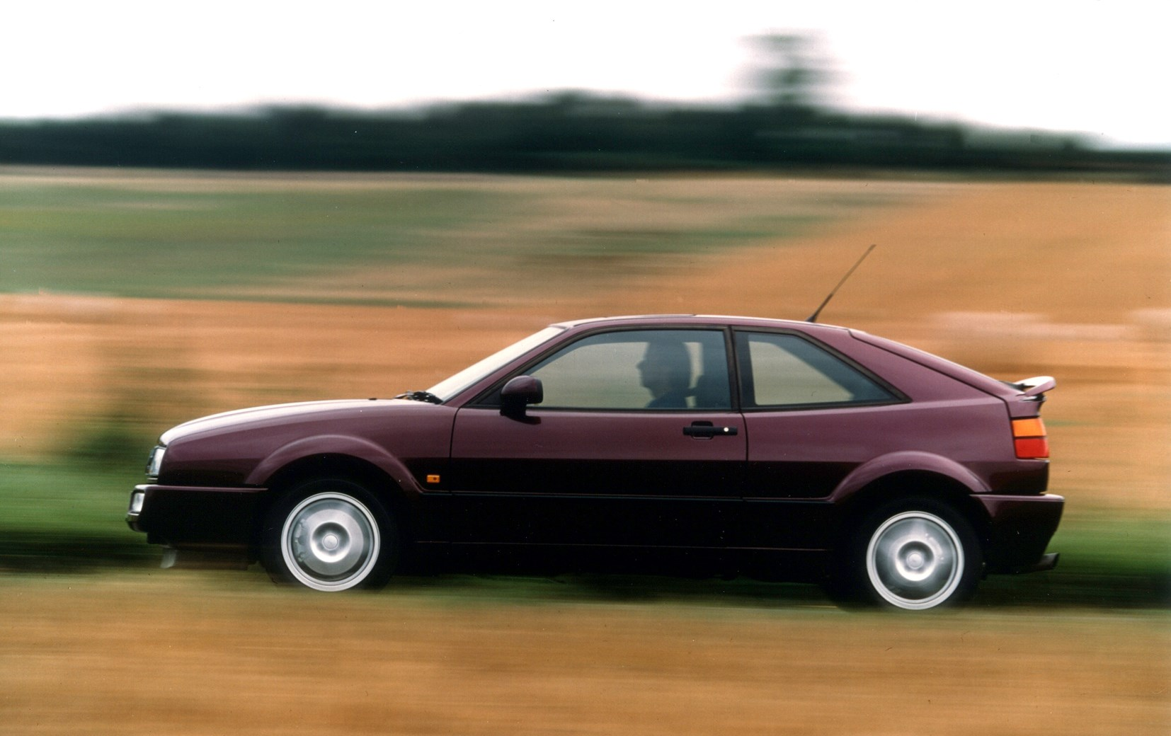 volkswagen corrado coupe 1989 1996 driving performance parkers. Black Bedroom Furniture Sets. Home Design Ideas