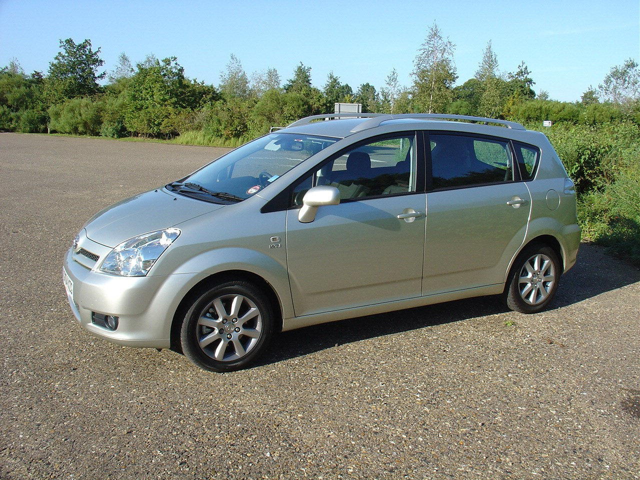 toyota corolla verso 2004 2009 photos parkers. Black Bedroom Furniture Sets. Home Design Ideas