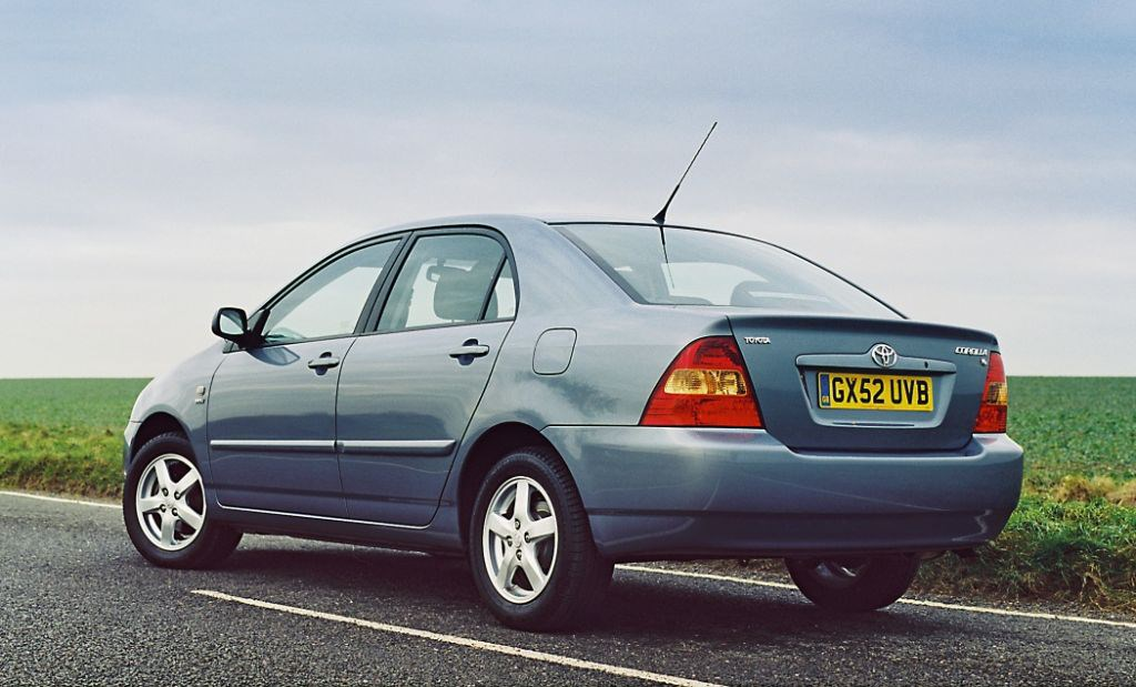 toyota corolla saloon review 2002   2006 parkers