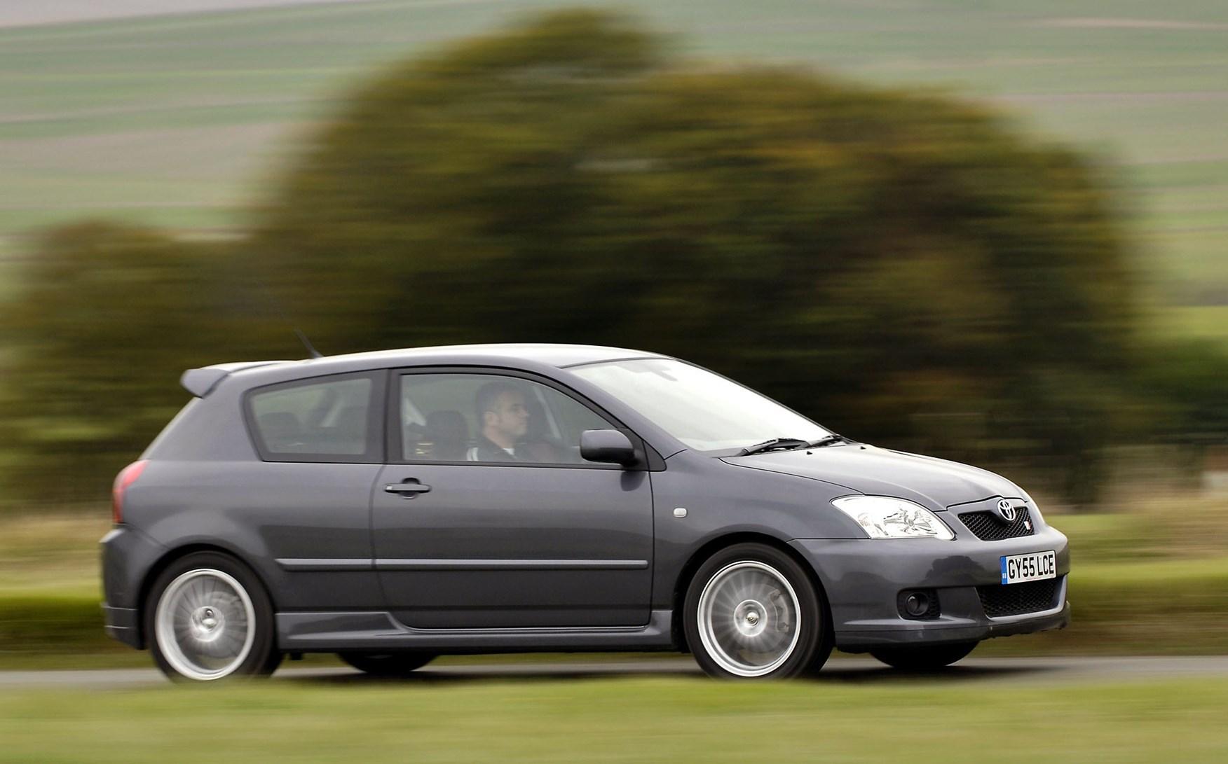 toyota corolla hatchback 2002 2006 driving performance parkers. Black Bedroom Furniture Sets. Home Design Ideas