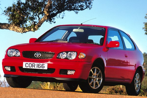 Toyota Corolla Hatchback (2000 - 2002) Used Prices