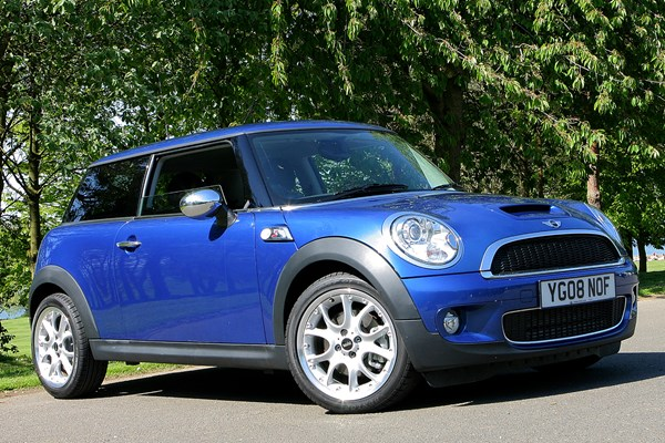 mini cooper s review parkers. Black Bedroom Furniture Sets. Home Design Ideas