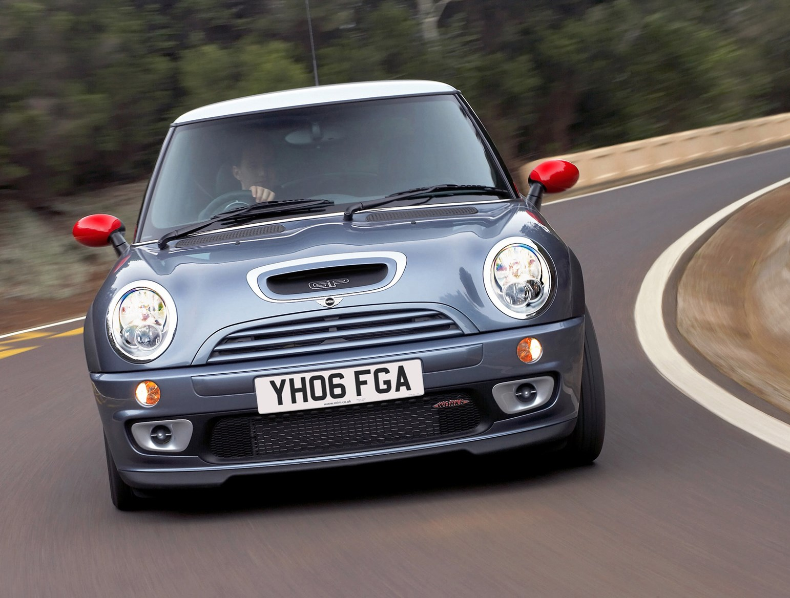 View All Images Of The MINI Cooper S 02 06