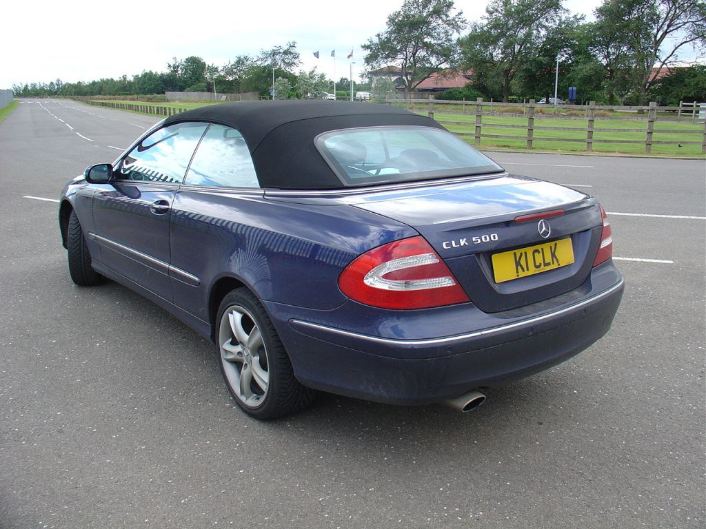 Mercedes benz clk cabriolet 2003 2009 photos parkers for Mercedes benz clk 2009