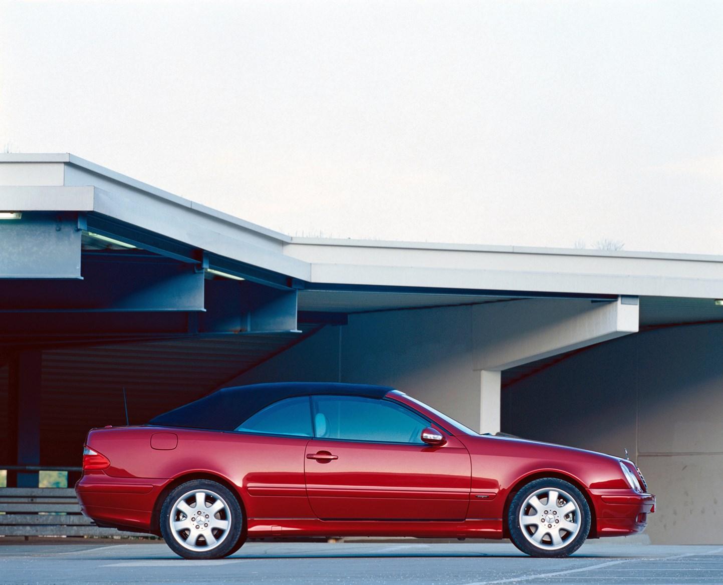 mercedes benz clk cabriolet 1998 2003 photos parkers. Black Bedroom Furniture Sets. Home Design Ideas