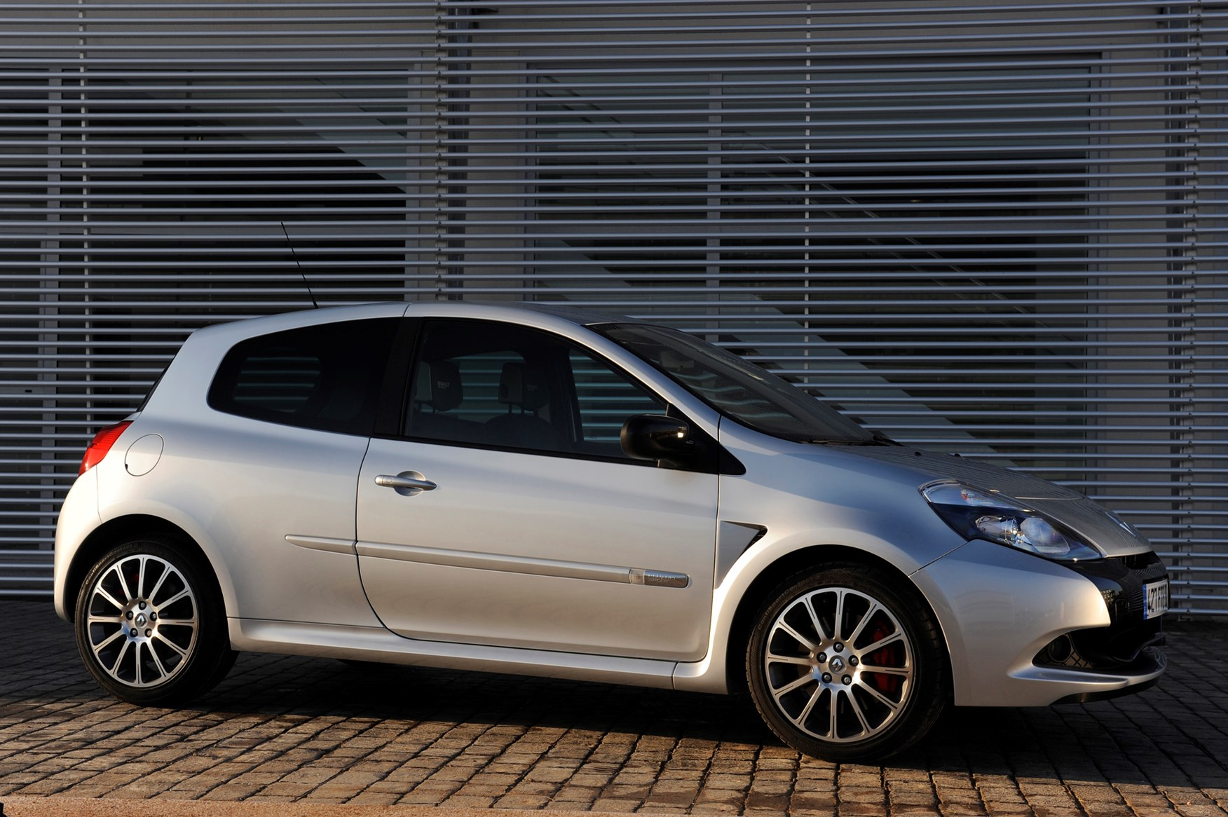 renault clio renaultsport 2006 2012 photos parkers. Black Bedroom Furniture Sets. Home Design Ideas