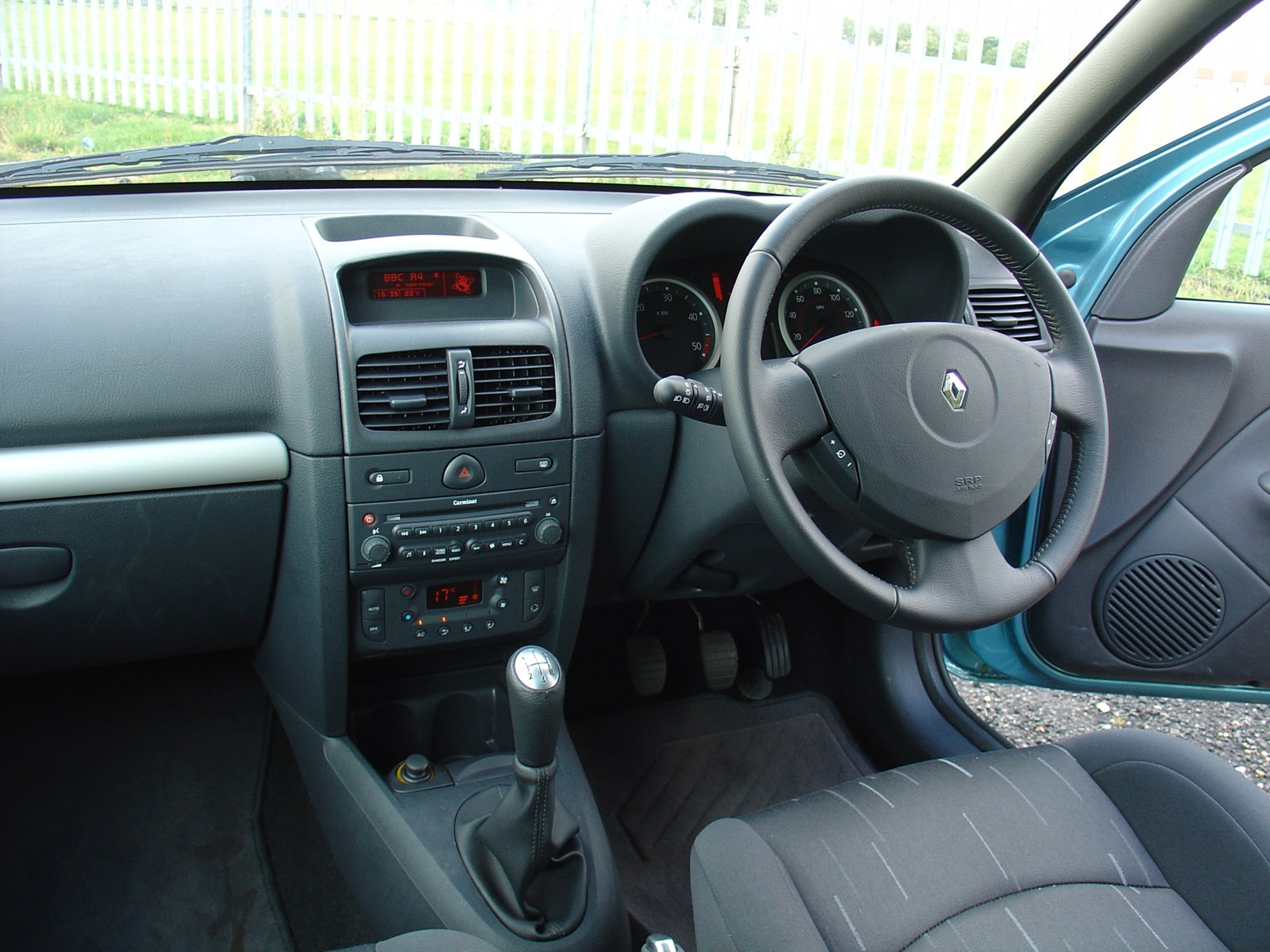 renault clio 2005 interior the image kid has it. Black Bedroom Furniture Sets. Home Design Ideas