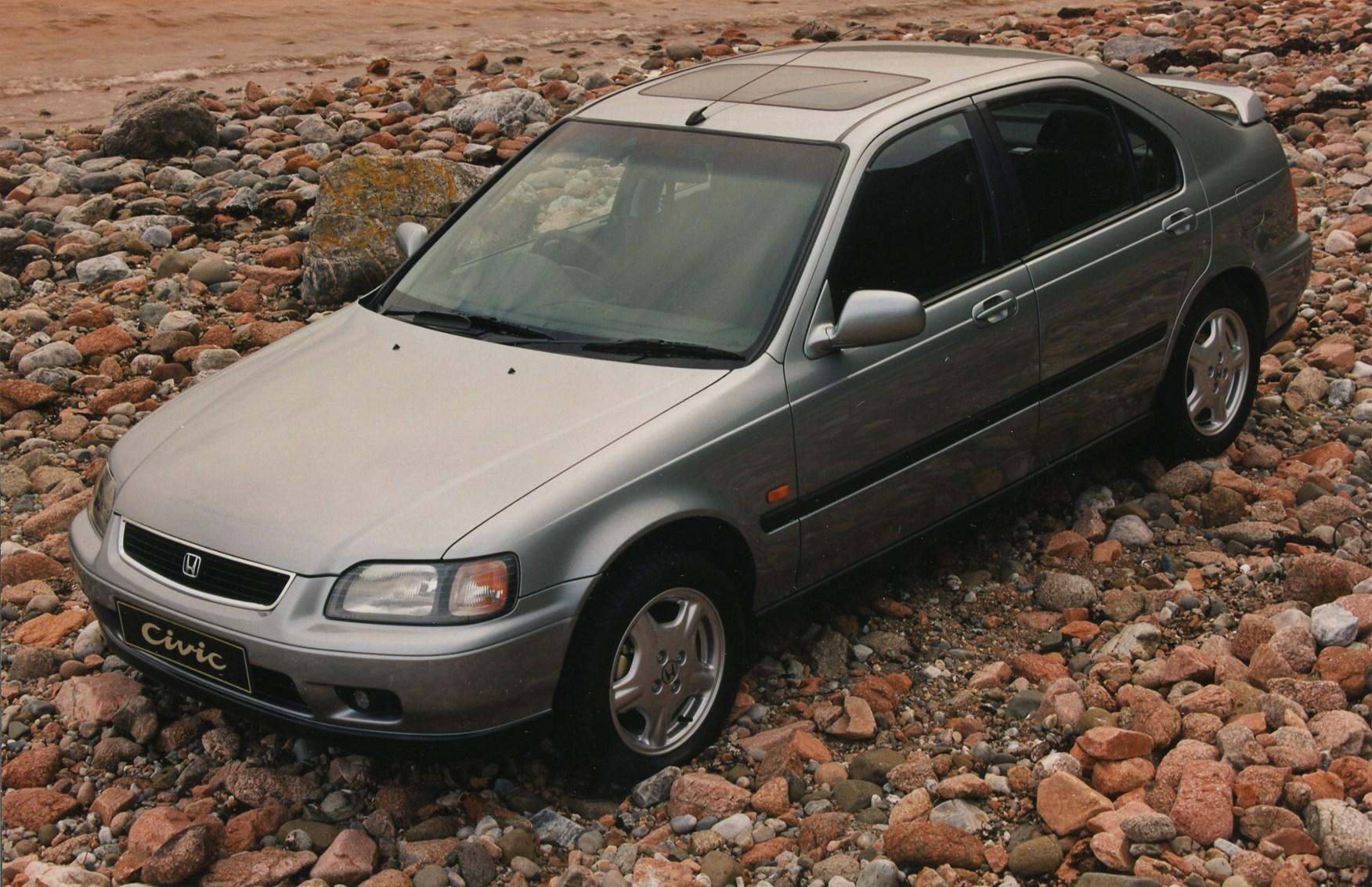 Honda Civic Hatchback (1995 - 2001) Photos | Parkers