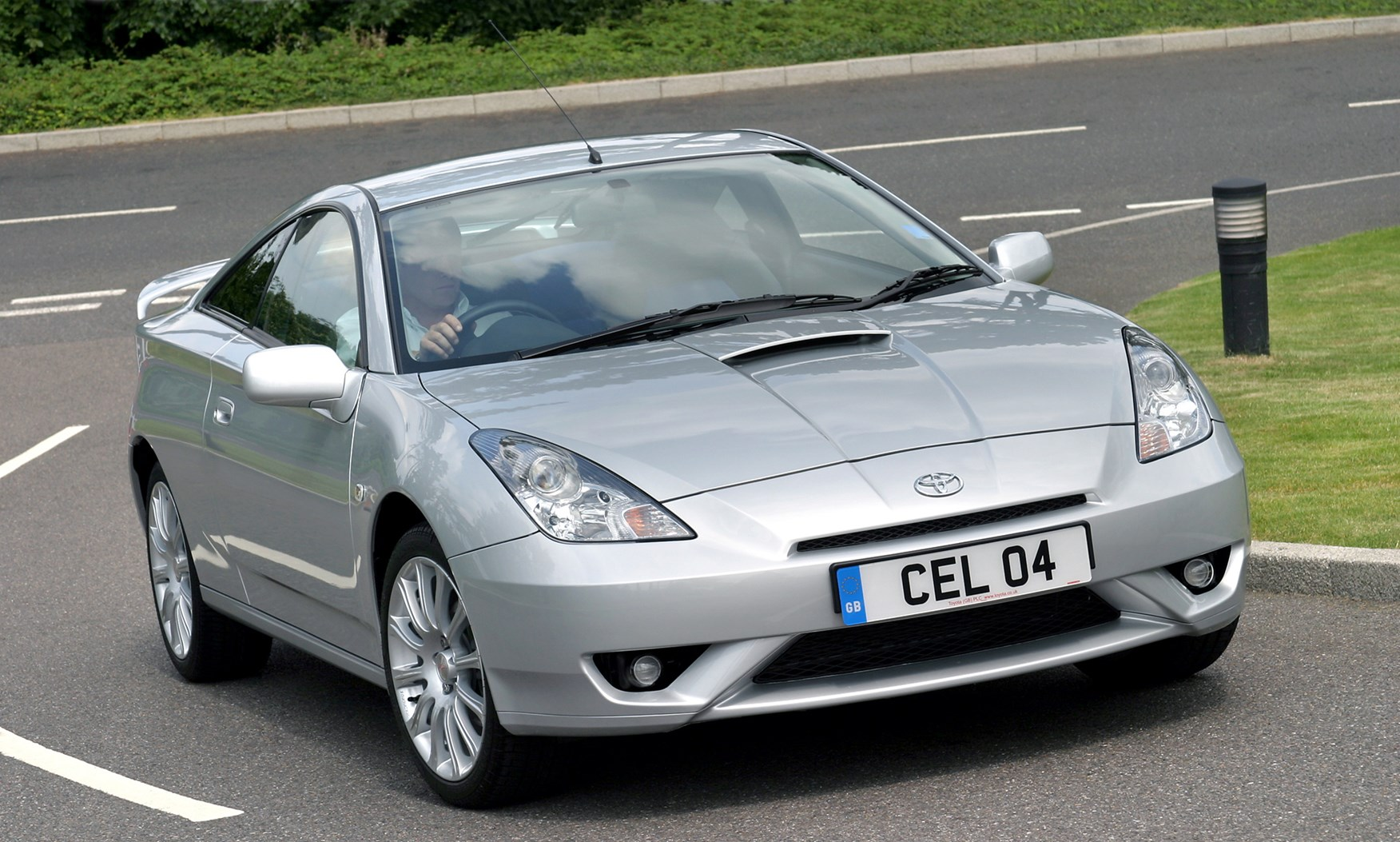 toyota celica coup 1999 2006 driving performance parkers. Black Bedroom Furniture Sets. Home Design Ideas