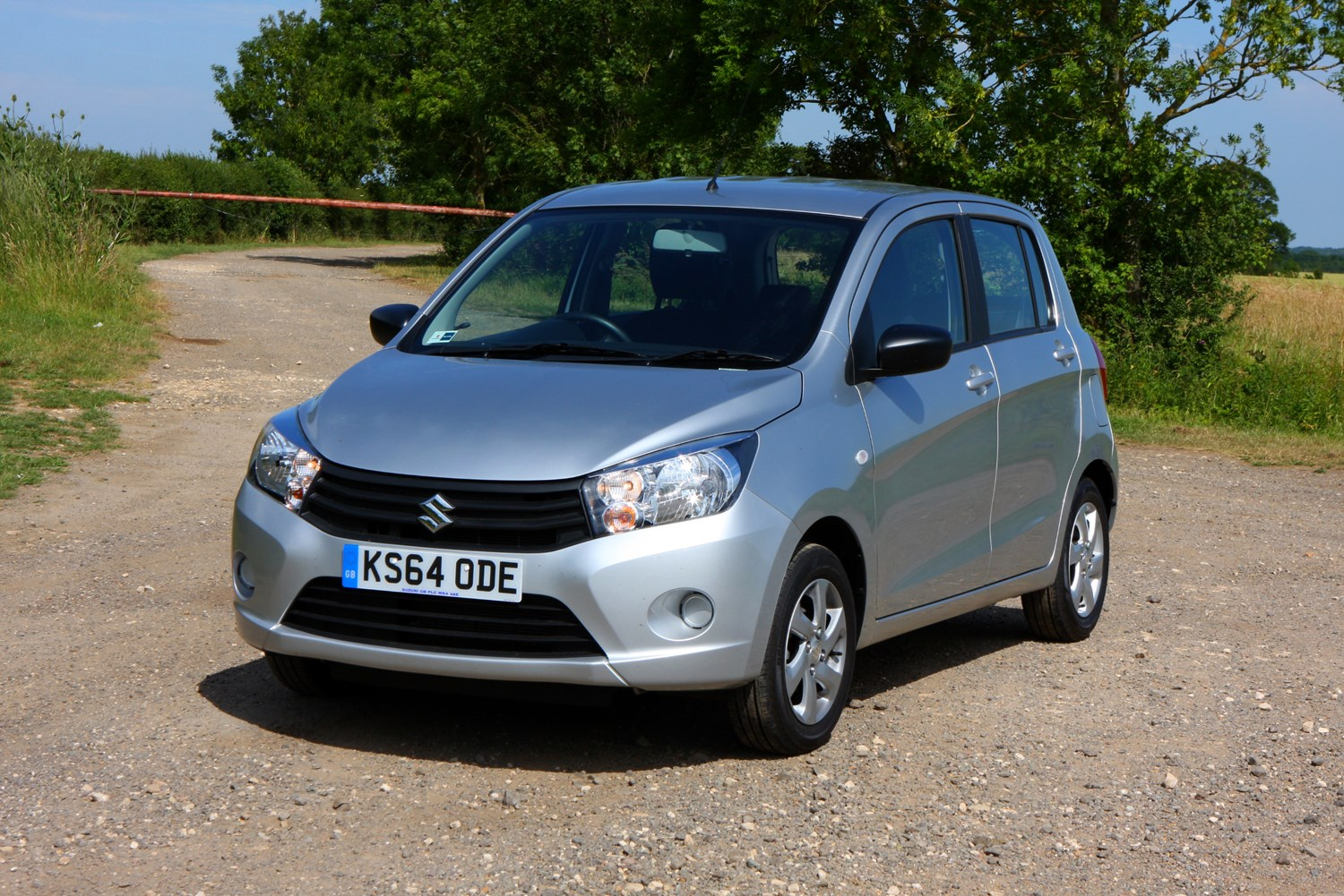 suzuki celerio hatchback 2015 photos parkers. Black Bedroom Furniture Sets. Home Design Ideas