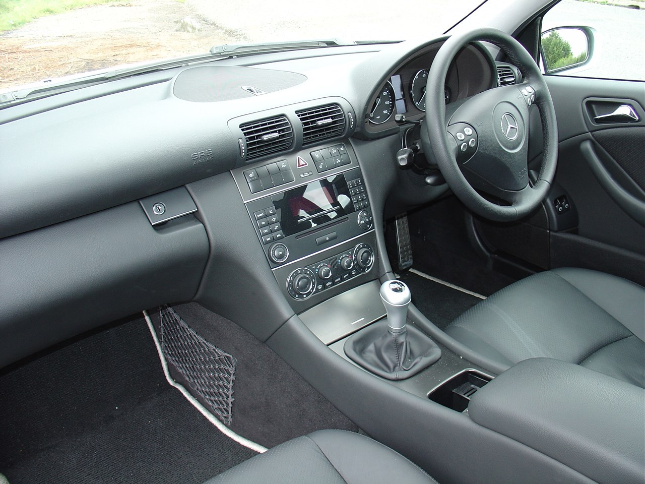 View all images of the mercedes benz c class sports coup 01 08