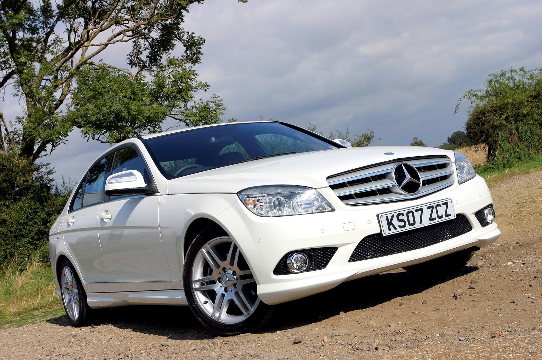 Mercedes-Benz C-Class Saloon (2007 - 2014) Photos | Parkers