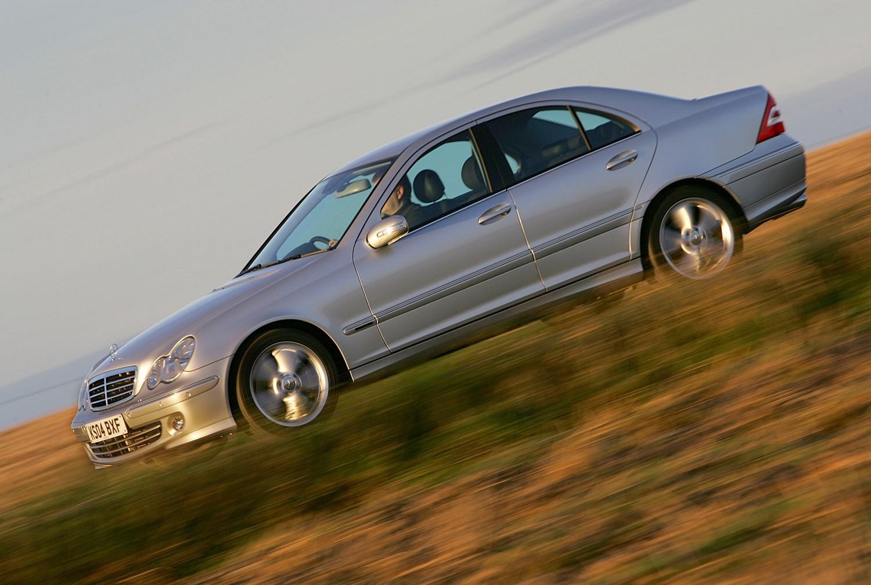 Mercedes benz c class saloon 2000 2007 photos parkers for Mercedes benz c class 2000