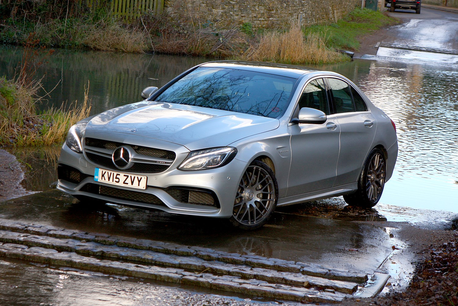 Mercedes benz c class amg 2015 photos parkers for Mercedes benz 300 amg
