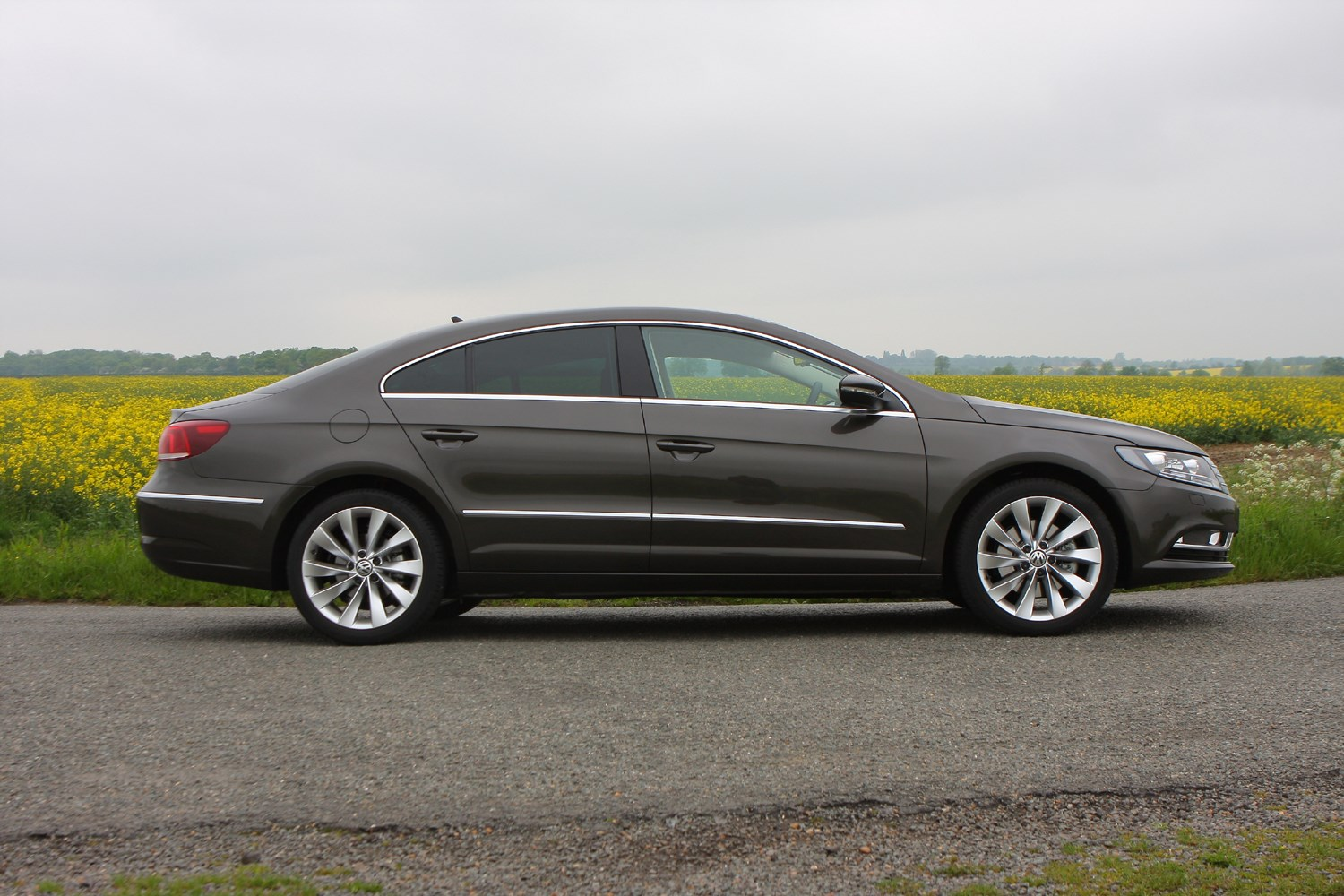 volkswagen cc saloon 2012 2016 photos parkers