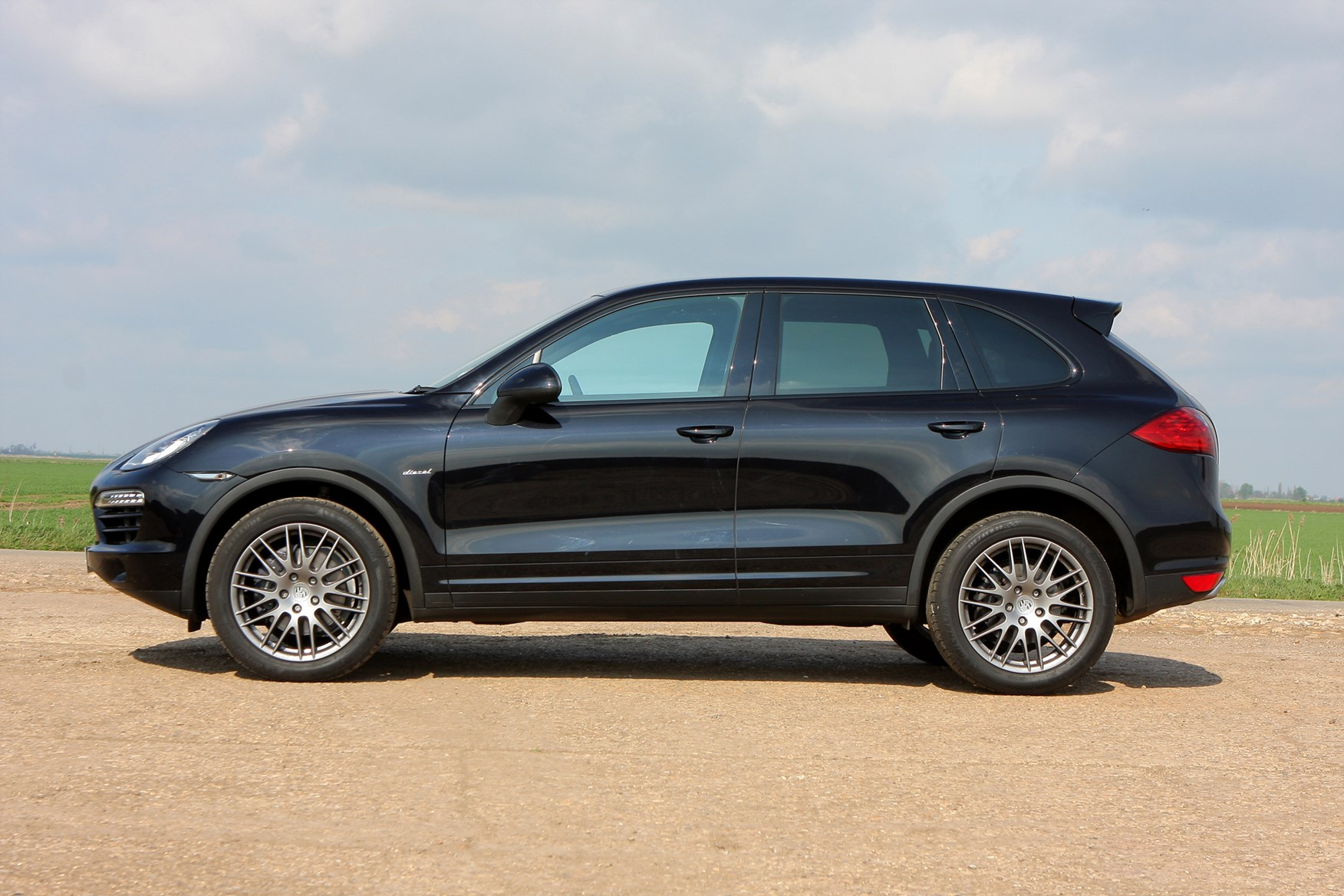 porsche cayenne estate 2010 2018 photos parkers. Black Bedroom Furniture Sets. Home Design Ideas