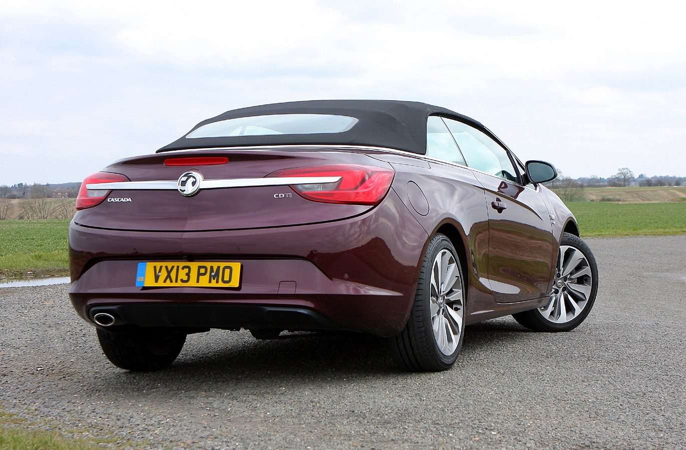 Vauxhall cascada convertible 2013 photos parkers for Cascada exterior