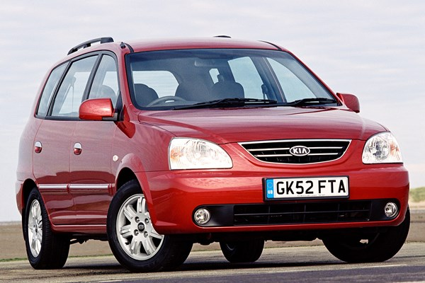 kia carens estate review 2000 2006 parkers rh parkers co uk 2004 Kia Carens Kia Carens 2008