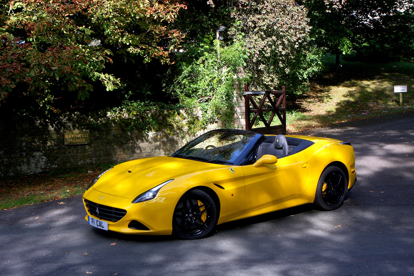 California Tax Calculator >> Ferrari California T Convertible (2014 - ) Photos | Parkers