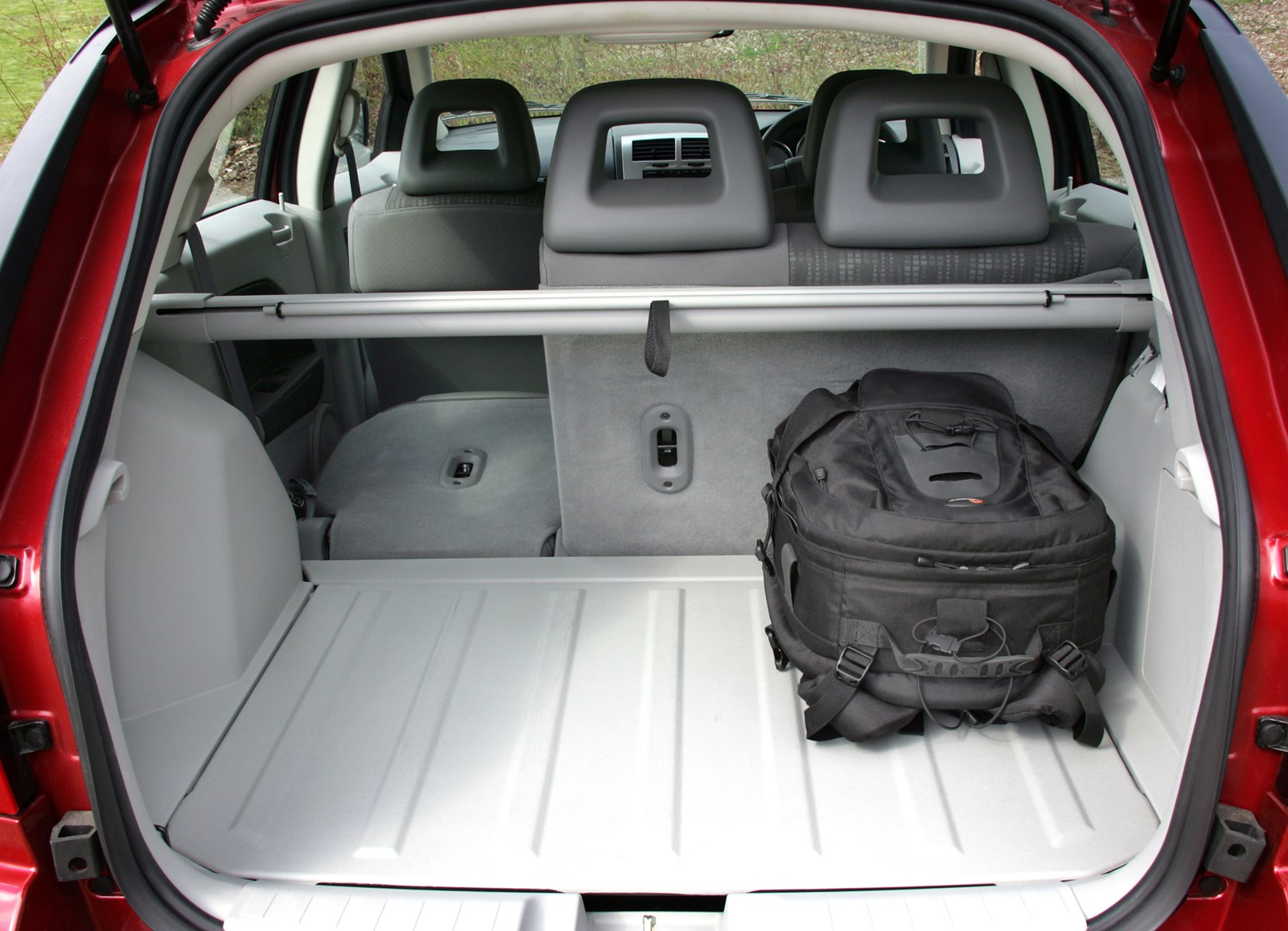 Dodge Caliber Hatchback 2006 2009 Features Equipment And