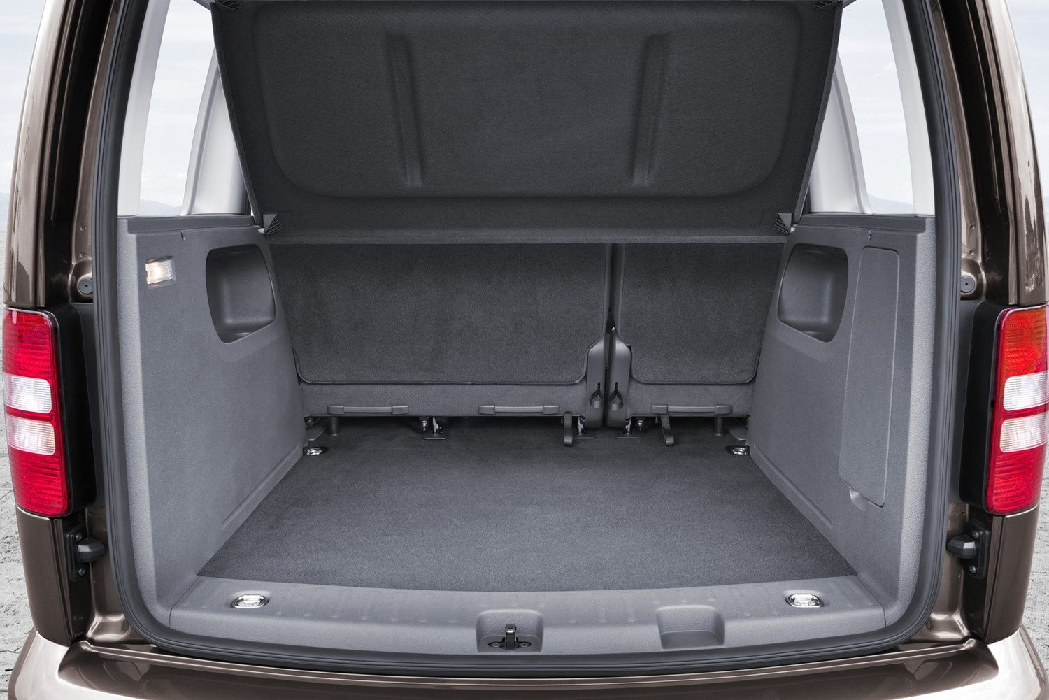 volkswagen caddy maxi life estate 2010 2015 features equipment and accessories parkers. Black Bedroom Furniture Sets. Home Design Ideas