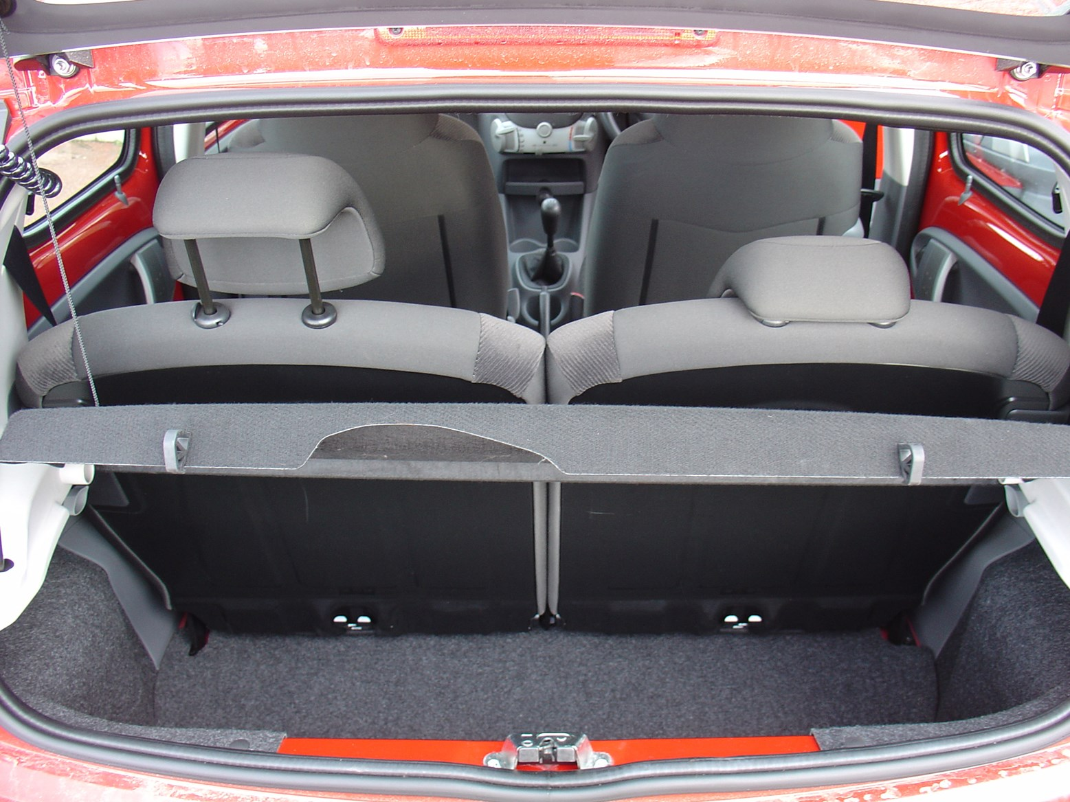 Citron c1 hatchback 2005 2014 features equipment and view all images of the citron c1 05 14 vanachro Choice Image