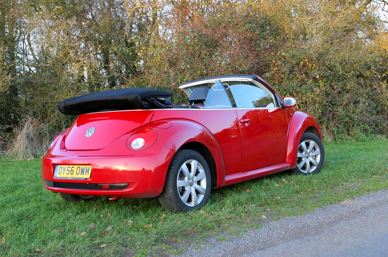 volkswagen beetle cabriolet 2003 2010 photos parkers. Black Bedroom Furniture Sets. Home Design Ideas