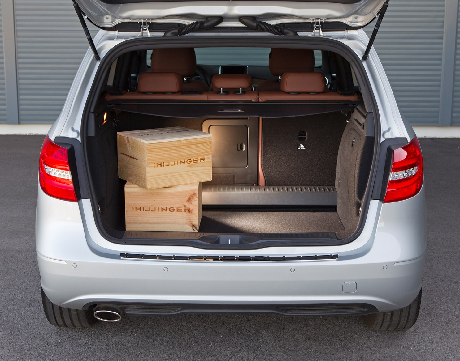mercedes benz b class estate 2012 features equipment and accessories parkers. Black Bedroom Furniture Sets. Home Design Ideas